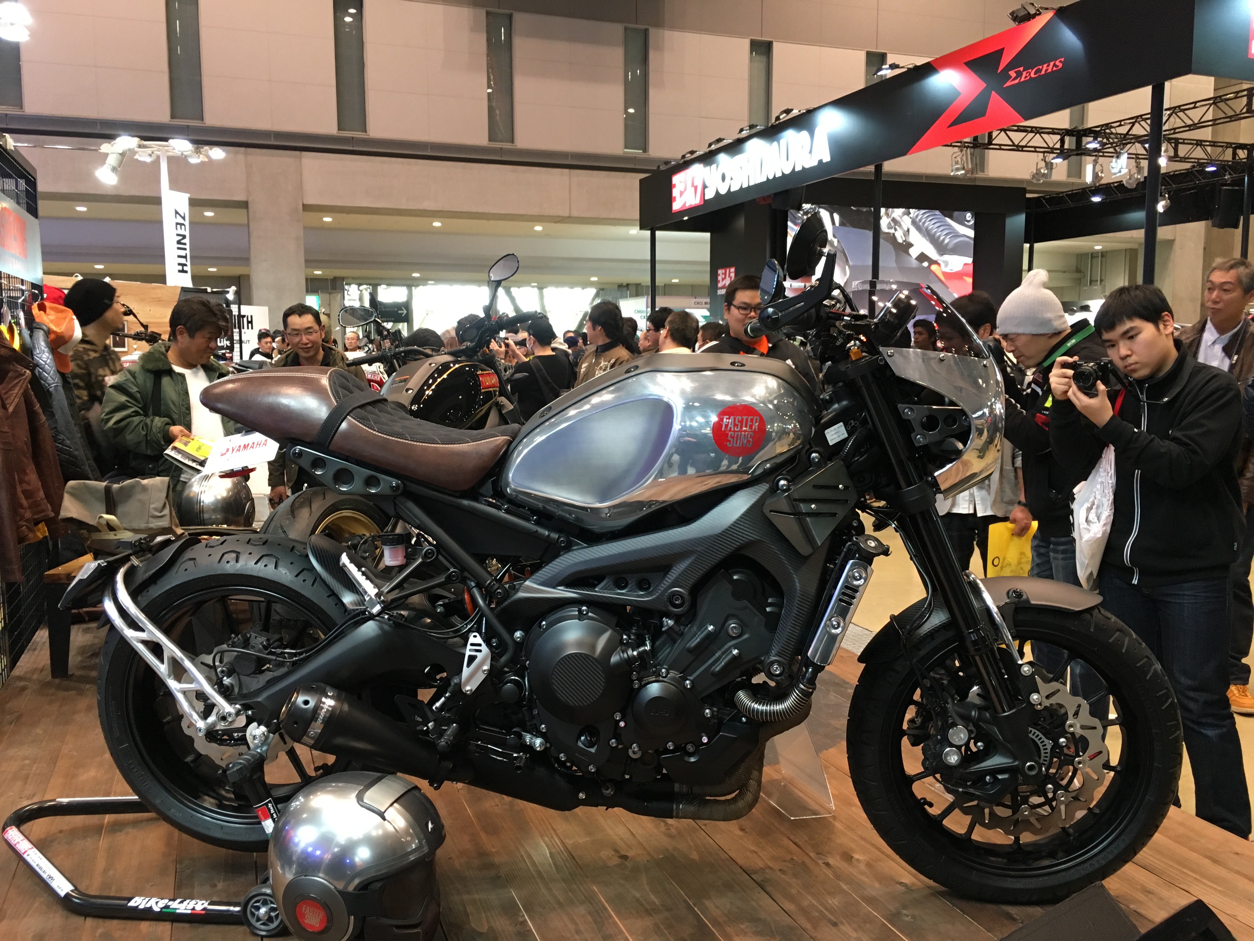 Tokyo Motorcycle Show 2017 Yamaha XSR 900 Faster Sons